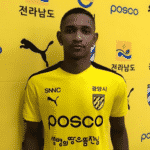 atacante Hernandes, ex-Grêmio