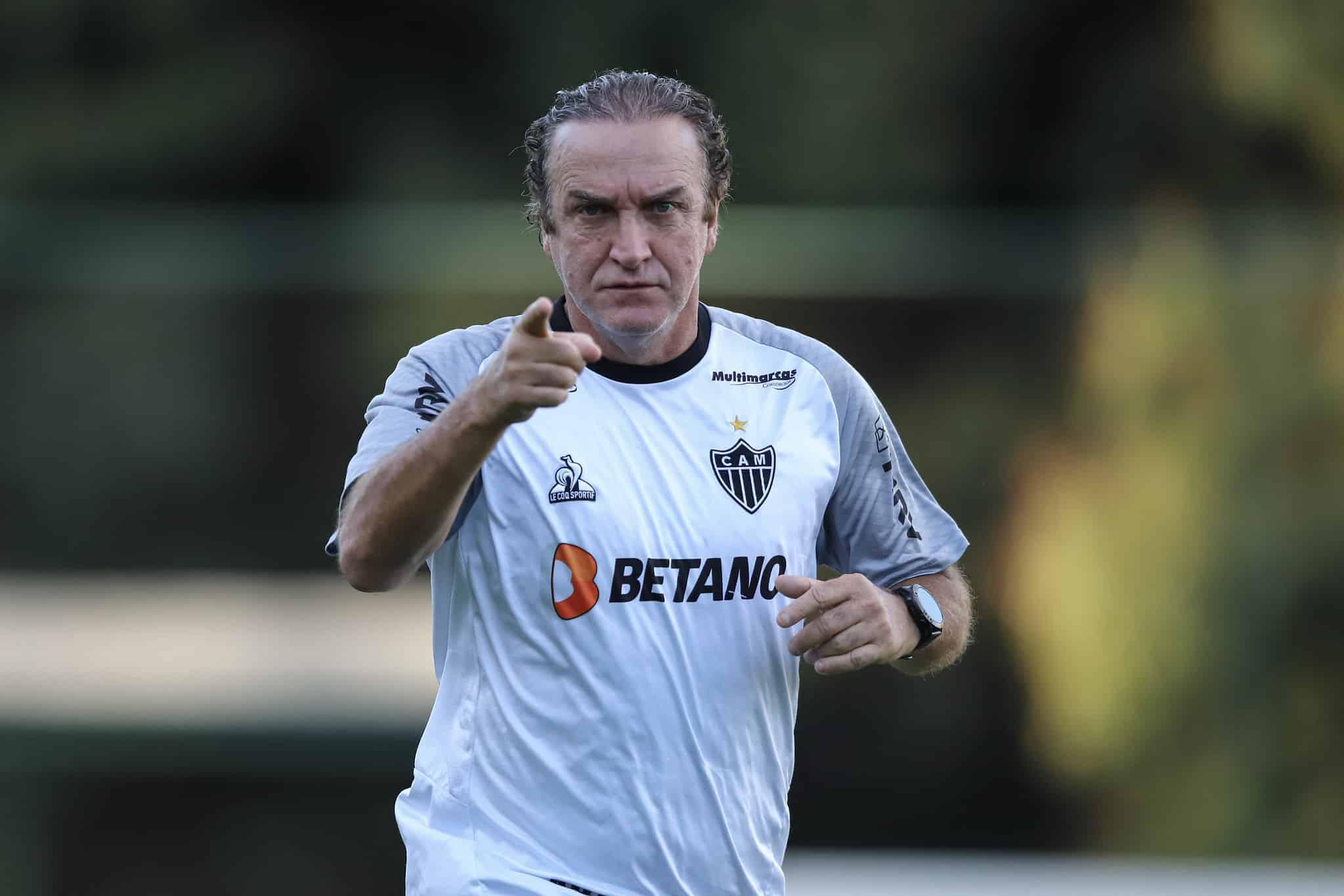 Treinador do Atllético-MG, Cuca indica favoritismo do atual campeão brasileiro, do Palmeiras e do Fortaleza para disputa com o Galo