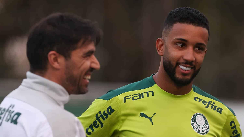 Sem anúncio da Roma, Matías Viña continua sendo jogador do Palmeiras. Jorge foi anunciado e outro uruguaio está próximo da Academia
