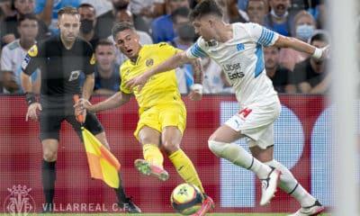 Em jogo de três gols, Olympique de Marselha liquida Villarreal. Partida teve técnico expulso e presença de 30 mil pessoas