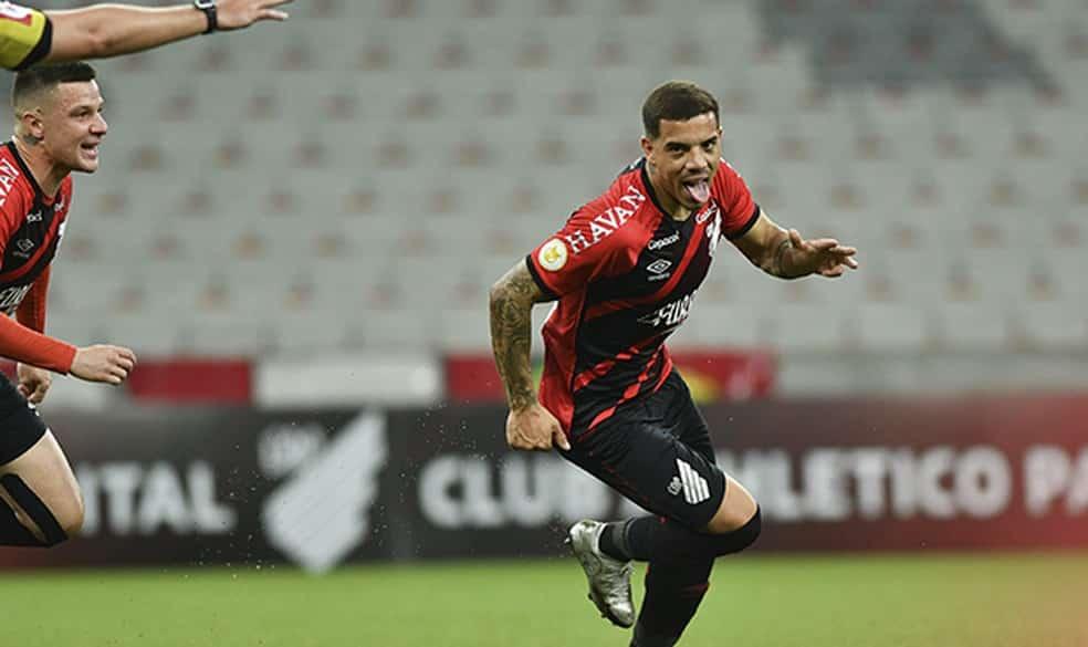 Destaque do Athletico Paranaense na Série A do Brasileirão, meio-atacante David Terans tem sido bastante elogiado pela torcida do Furacão