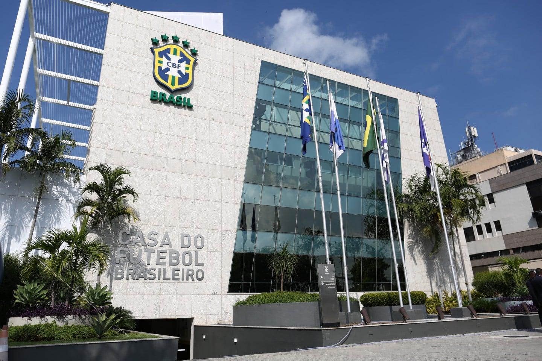 Com a disputa dos jogos das quartas de final, a Confederação Brasileira de Futebol (CBF) avalia testar volta do público aos estádios