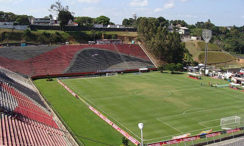 Com objetivos distintos, Vitória e Remo se enfrentam na noite deste sábado (11), às 19h, no Estádio Barradão, em Salvador (BA)