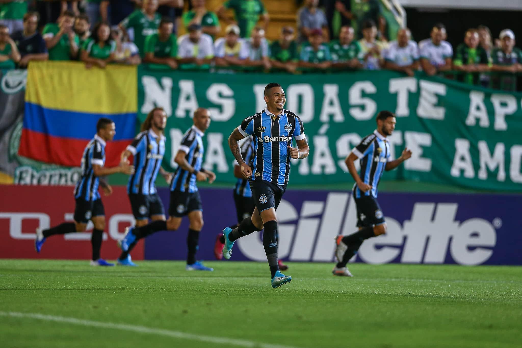 Confira os palpites dos jogos desta segunda-feira (9) no futebol nacional e internacional. Destaque para Grêmio x Chapecoense