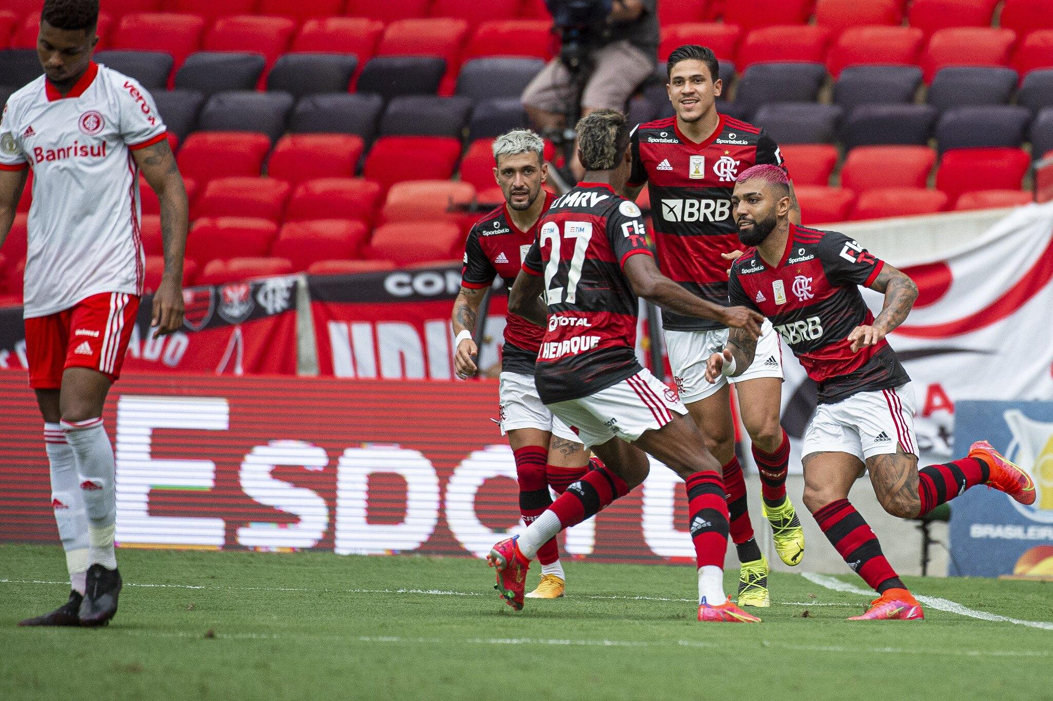 Em boa sequência de quatro vitórias, Flamengo sedia a partida contra o Internacional na noite deste domingo (8), às 18h15, no Maracanã