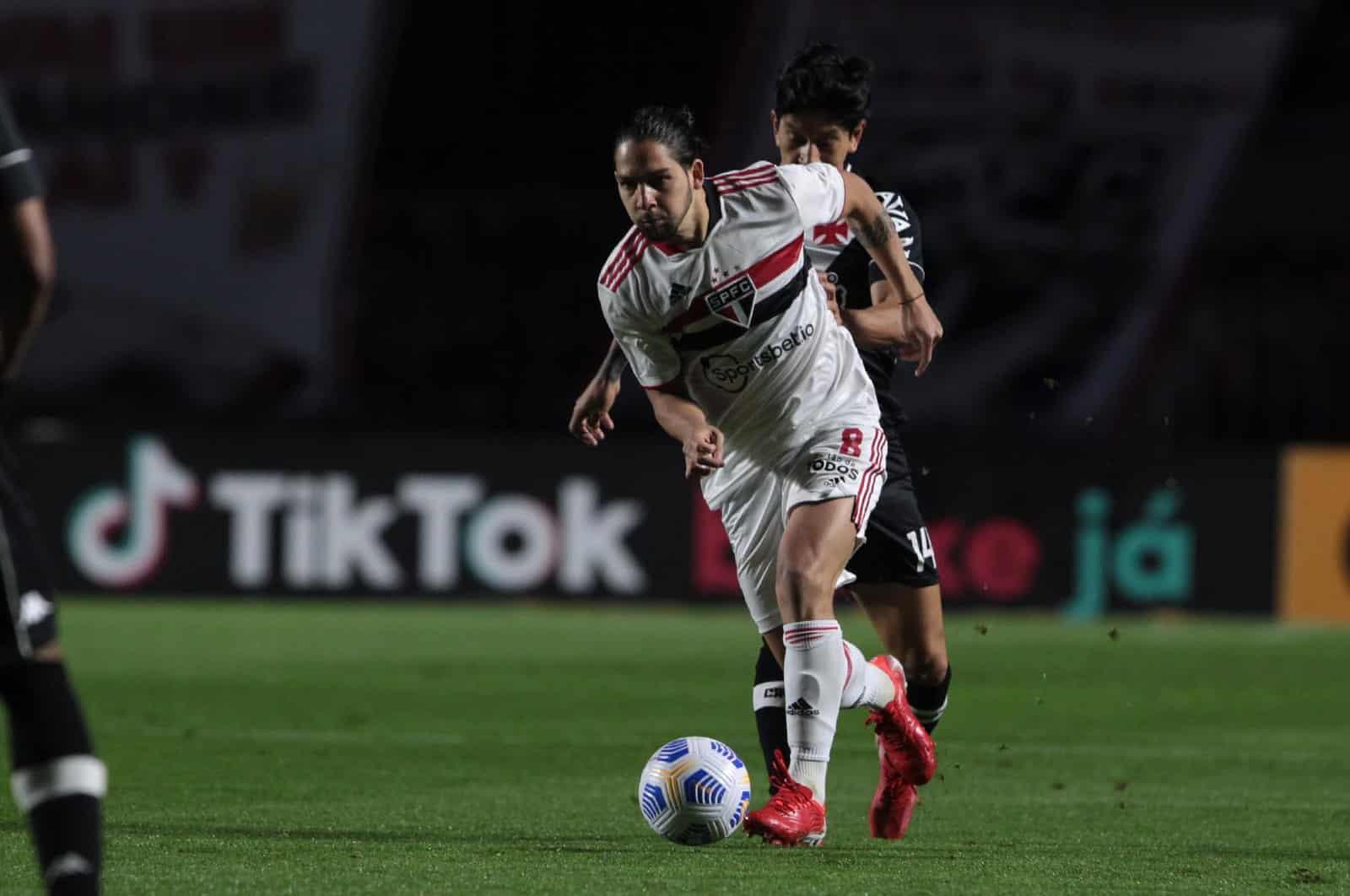 Meio-campista participou de 24 jogos pelo São Paulo. No geral, Martín Benítez marcou três gols e deu quatro passes para companheiros marcar