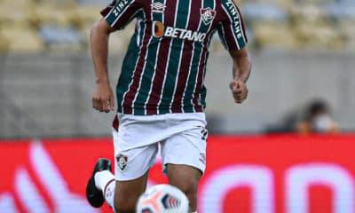 Ao entrar nos minutos finais da vitória do Fluminense sobre o Cerro Porteño, do Paraguai, meia PH Ganso completa 100 jogos pela equipe