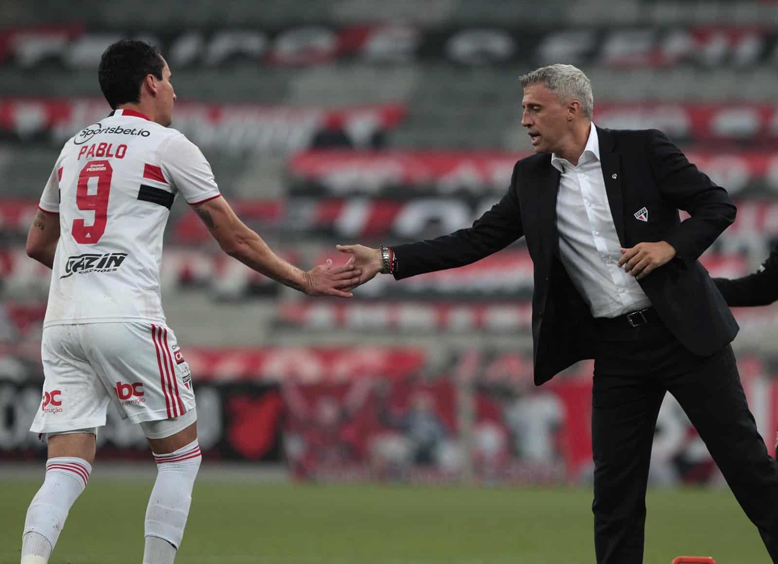 Titular do São Paulo, diante do Athletico-PR, no último sábado (7), o centroavante Pablo marcou os dois gols da vitória tricolor