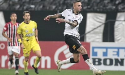 Com 22 jogos disputados em 2021 pelo Corinthians, Luan busca recuperar titularidade na equipe paulista, segundo técnico do clube