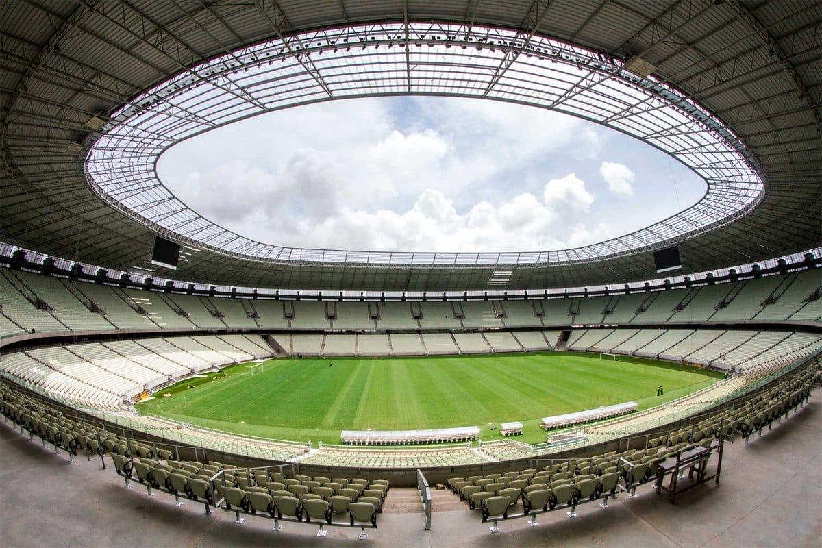 Com objetivos semelhantes, Ceará e Santos se enfrentam na noite deste sábado (18), às 21h, na Arena Castelão, em Fortaleza (CE)