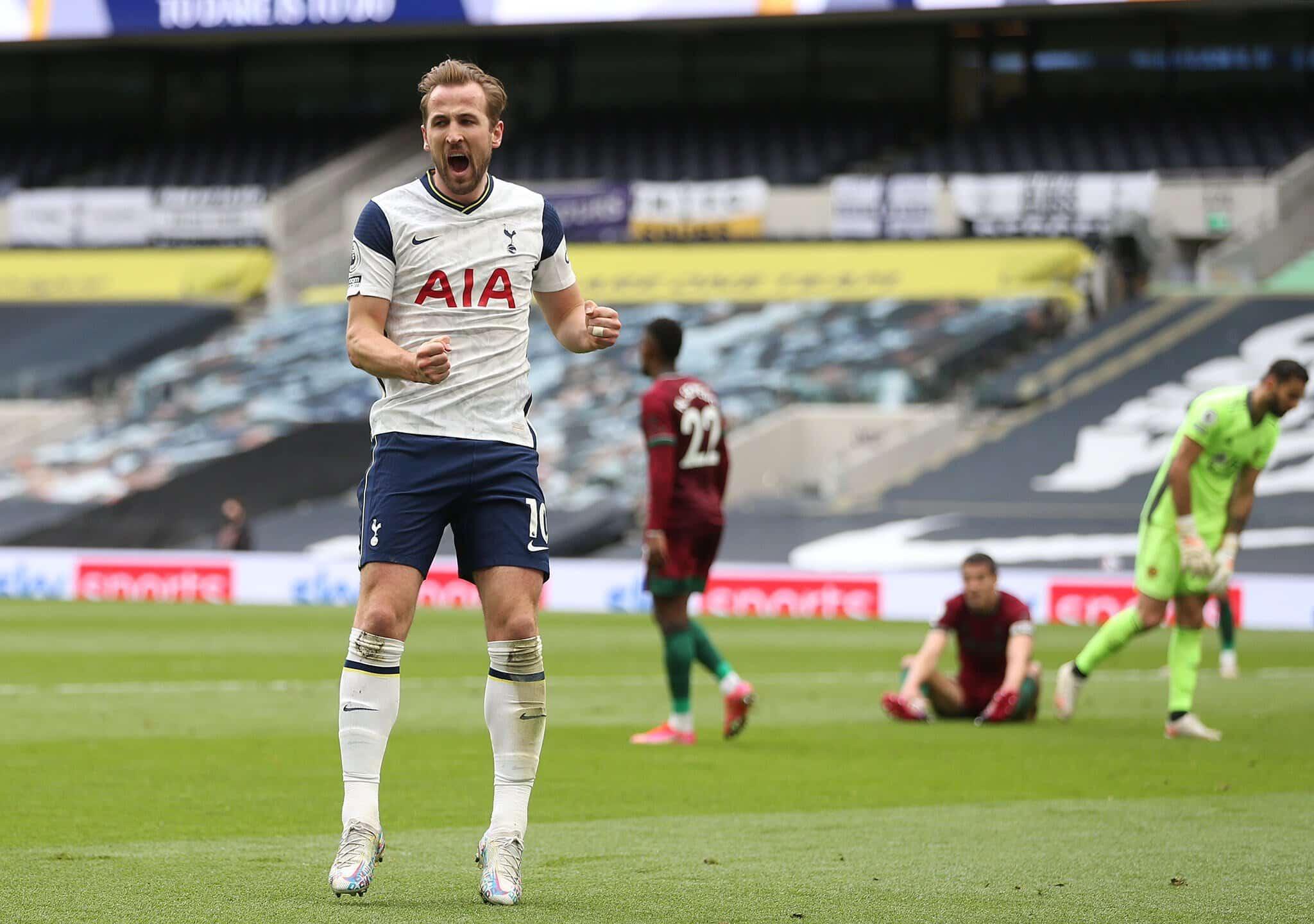Um dos principais alvos do técnico Pep Guardiola, o centroavante Harry Kane não se apresentou no CT do Tottenham nesta segunda-feira (2)
