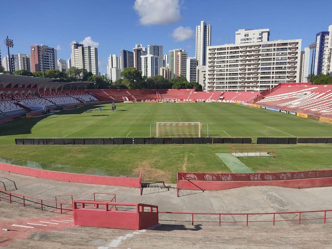 Com objetivos semelhantes, Náutico e Guarani se enfrentam na noite deste sábado (04), às 17h15, no Estádio dos Aflitos, em Recife (PE).