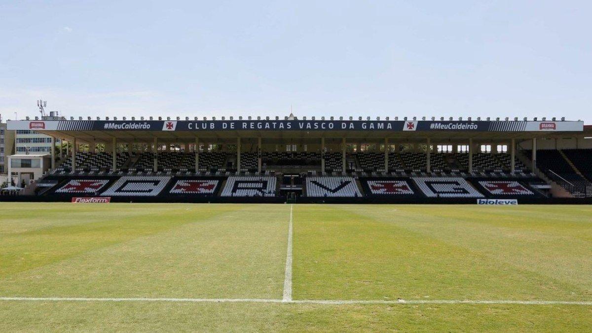 Com objetivos distintos, Vasco e Brasil de Pelotas se enfrentam na noite desta sexta-feira (03), às 19h, no Estádio São Januário