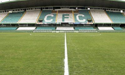Com objetivos distintos, Coritiba e Brusque se enfrentam na noite desta terça-feira (01), às 19h, no Estádio Couto Pereira, em Curitiba-PR