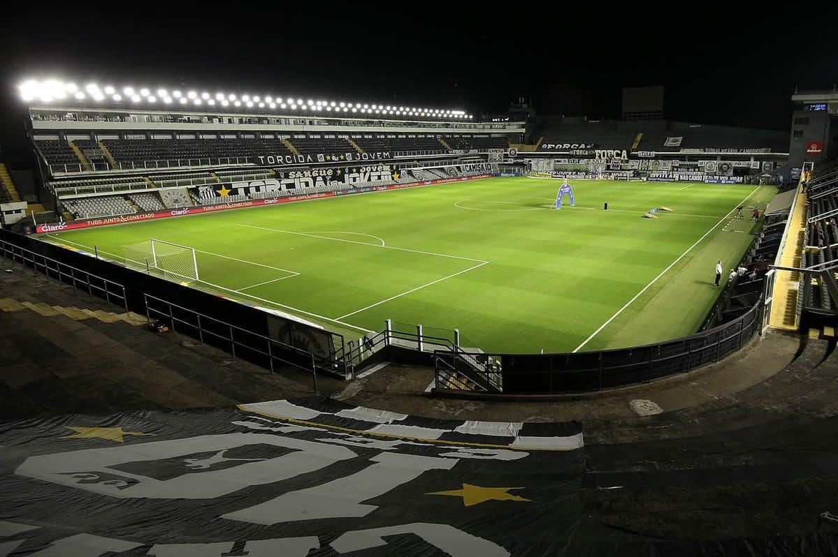 Com objetivos idênticos, Santos e Athletico-PR se enfrentam na noite desta terça-feira (14), às 21h30, no Estádio Vila Belmiro