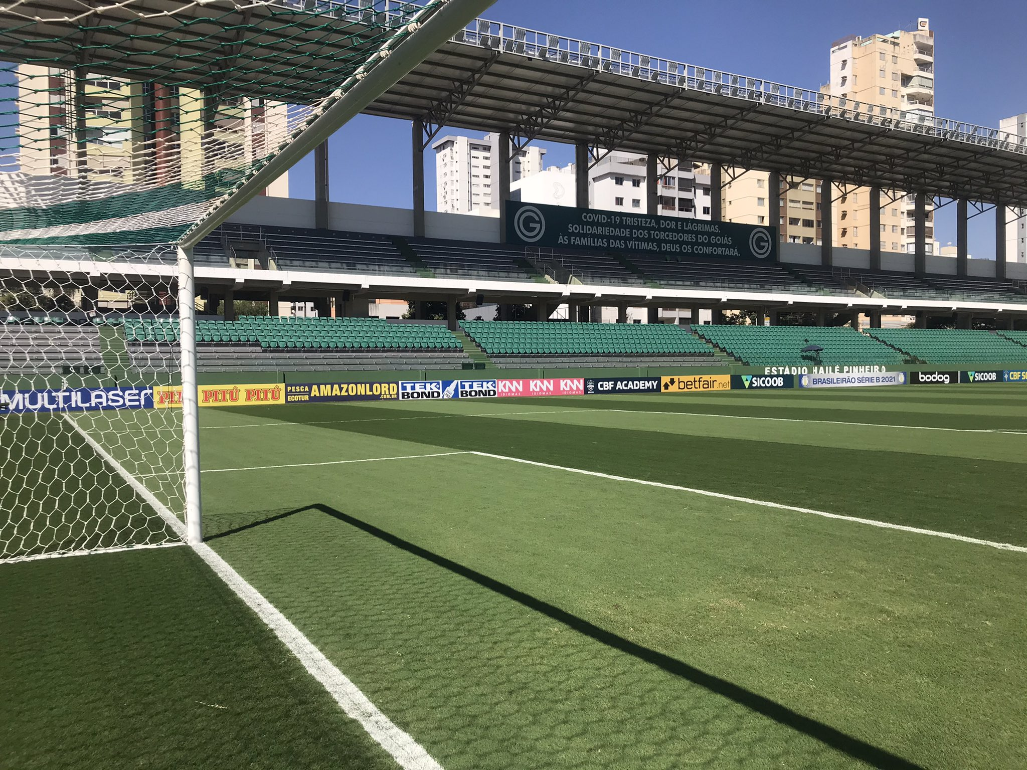 Com objetivos distintos, Goiás e Vila Nova se enfrentam na noite desta sexta-feira (24), às 19h, no Estádio Hailé Pinheiro (Serrinha)