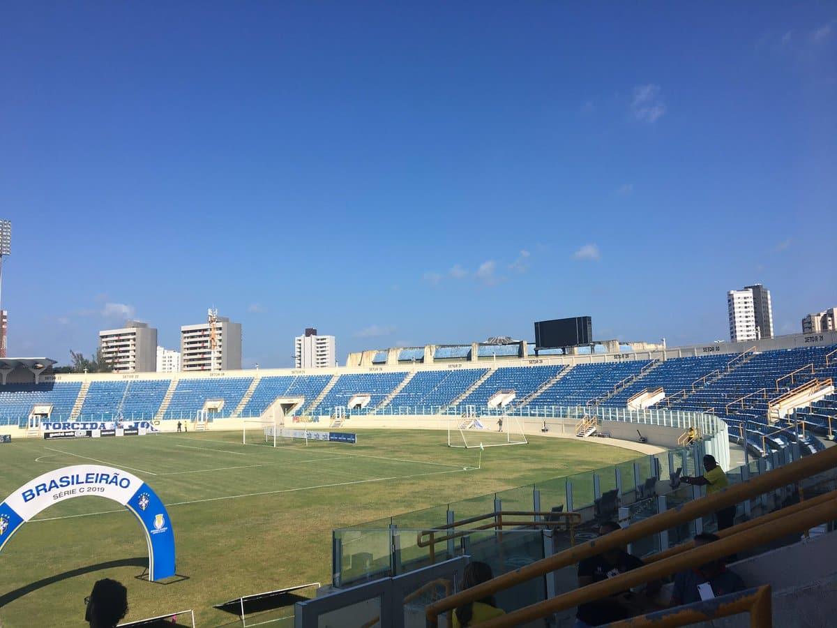 Com objetivos divergentes, Confiança e Vasco se enfrentam na noite desta sexta-feira (01), às 21h30, no Estádio Batistão, em Aracaju (SE)