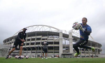 Com objetivos semelhantes, Botafogo e CRB se enfrentam na tarde deste sábado (09), às 16h30, no Estádio Engenhão, no Rio de Janeiro (RJ)