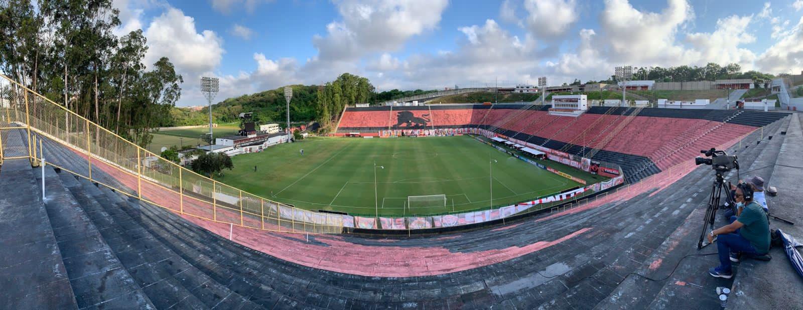 Com objetivos distintos, Vitória e CSA se enfrentam na noite desta terça-feira (02), às 19h, no Estádio Barradão, em Salvador (BA)
