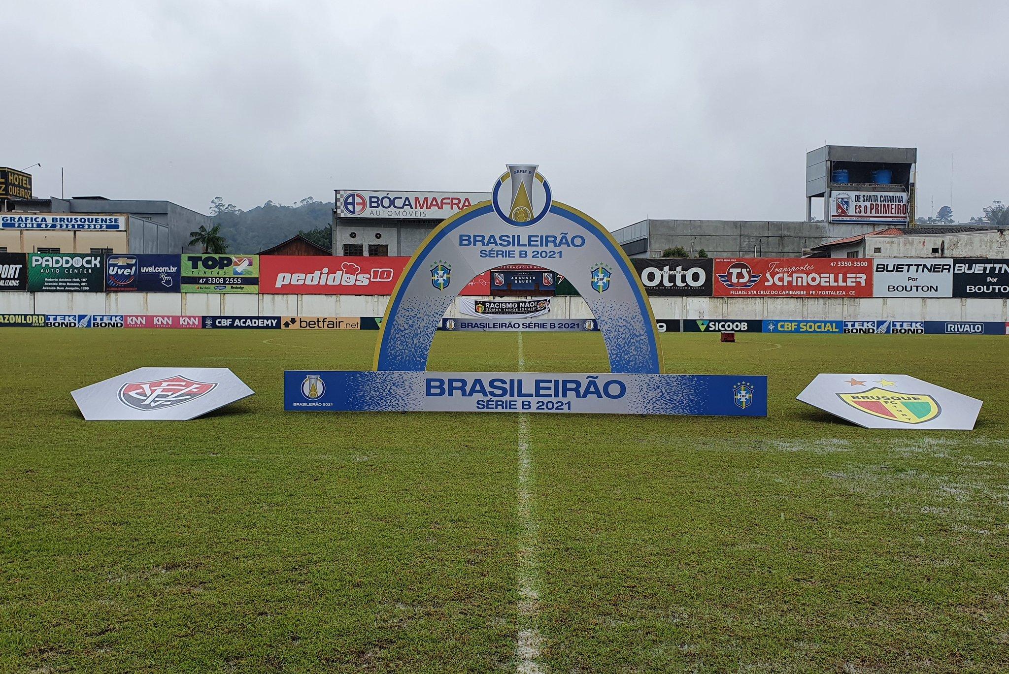 Com metas distintas, Brusque e Náutico se enfrentam na tarde desta terça-feira (02), às 16h, no Estádio Augusto Bauer, em Santa Catarina