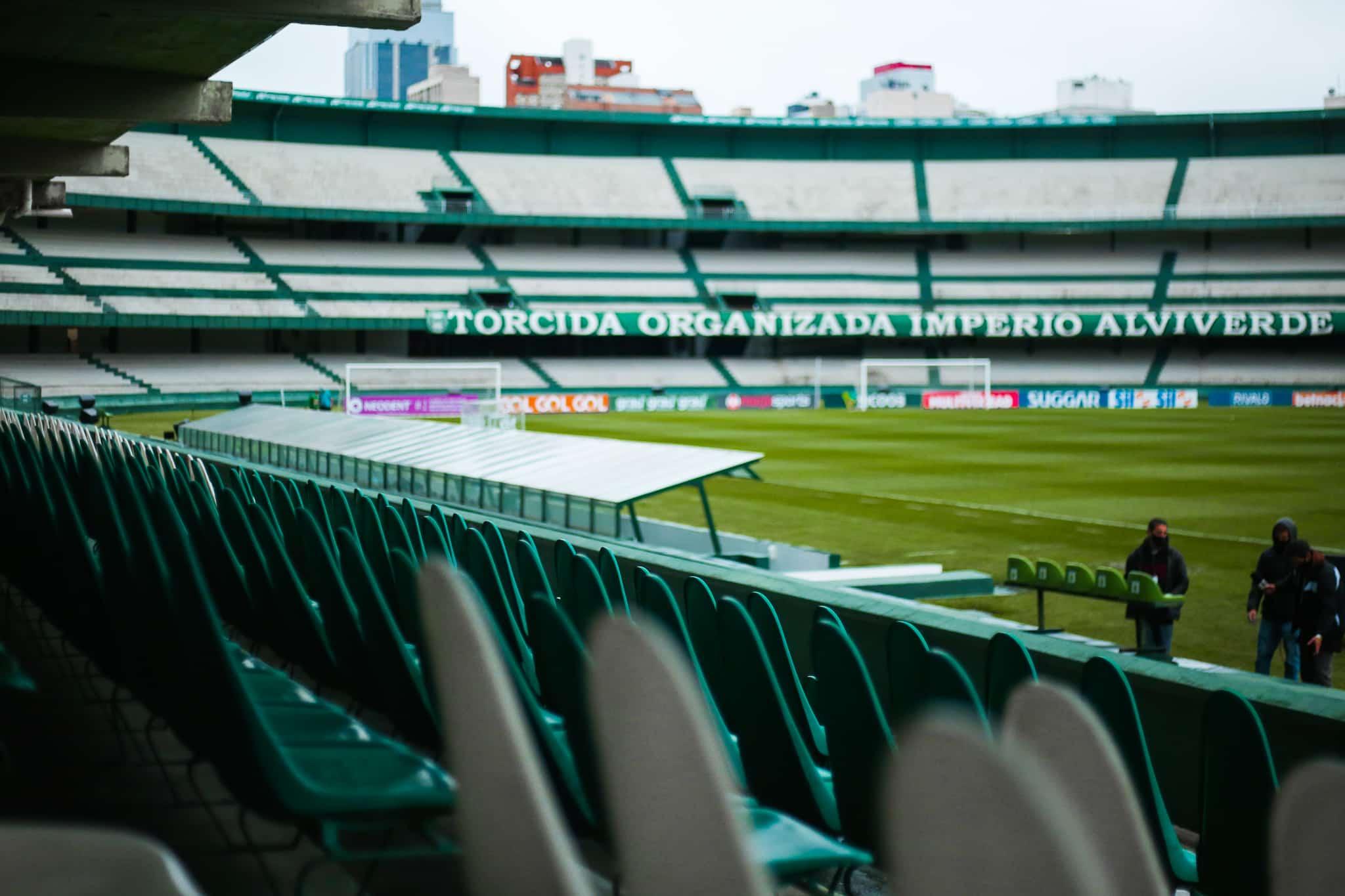 Com objetivos distintos, Coritiba e Cruzeiro se enfrentam na noite desta sexta-feira (08), às 21h30, no Estádio Couto Pereira, em Curitiba