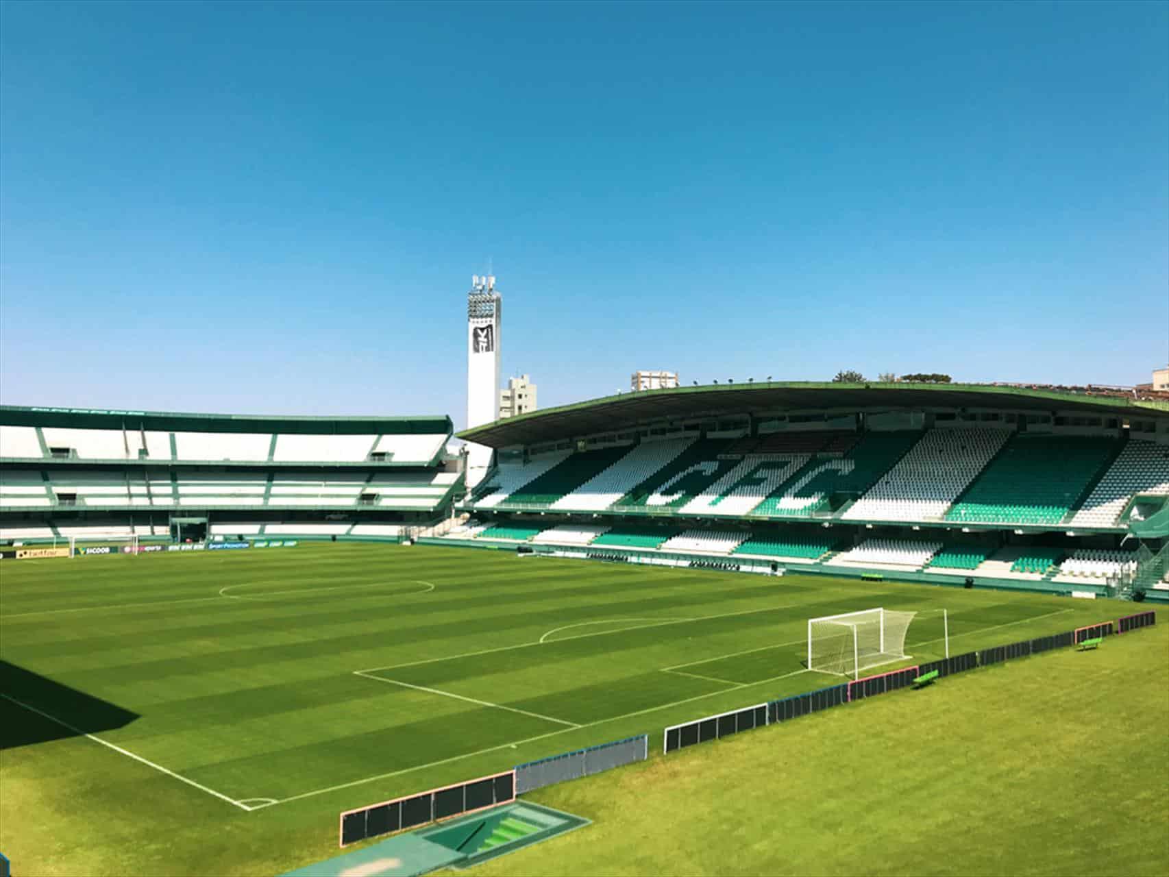 Com objetivos distintos, Coritiba e Vila Nova se enfrentam na noite desta sexta-feira (17), às 19h, no Estádio Couto Pereira, em Curitiba-PR